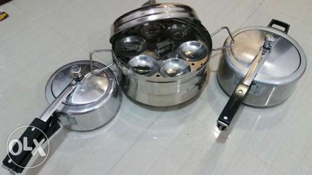 Brand new idli maker & 2 Pressure cookers.In very good condition