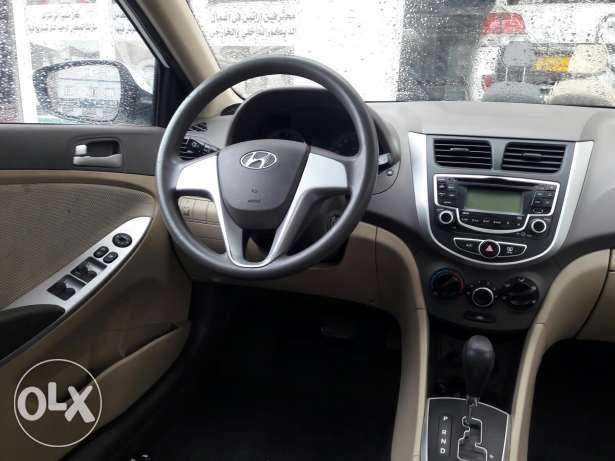 2013 accent 1.6 full automatic Oman agency ...like new بوشر -  7