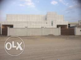 Store / Workshop / Factory in an Industrial area for rent 1076m