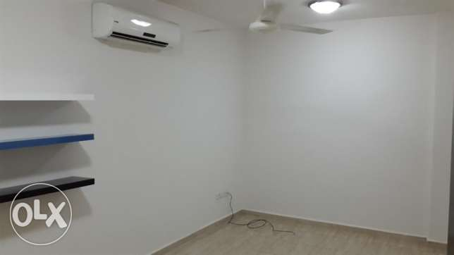 flat for rent in mazoun street in a book shop building مسقط -  4