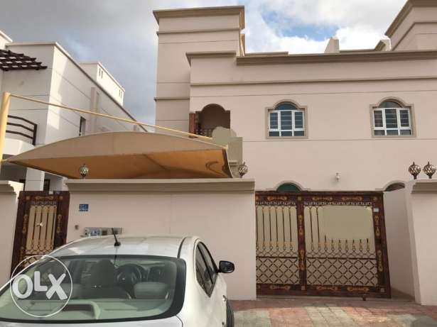 KP 862 Villa 10 BHK in South Mawaleh for Rent