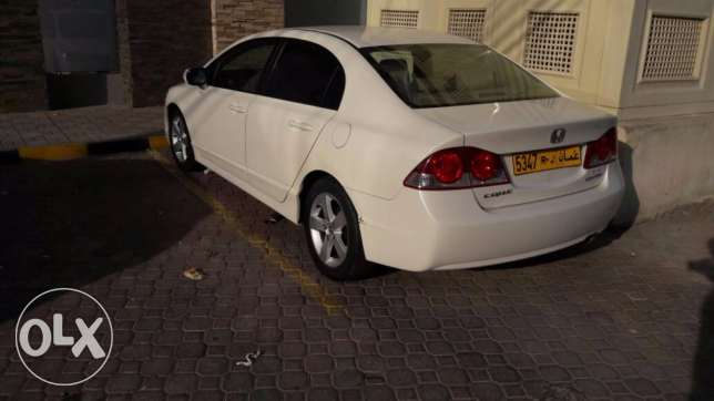 Honda Civic (2006) 1.8 White Automatic for Sale Urgently Expat Leaving مسقط -  6