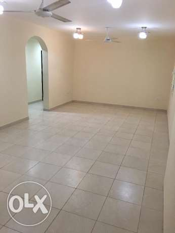 new flat for rent in ghala in good location and big area مسقط -  2