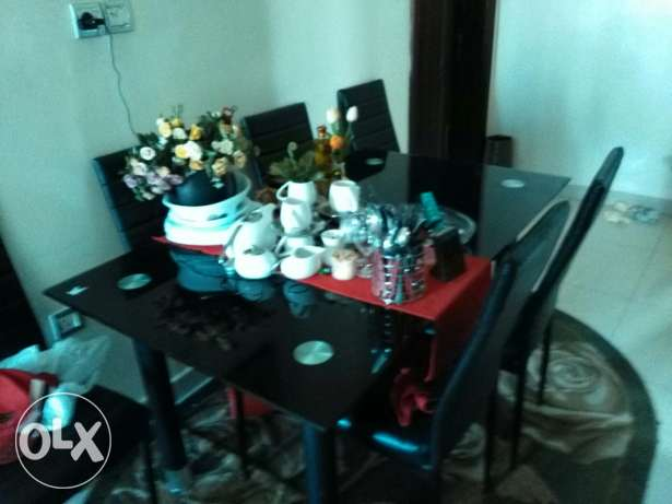 Dinning table with 6 chairs السيب -  1