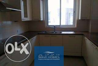 Very spacious one bedroom available right behind the Walk at the Wave مسقط -  8
