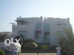 4 BR Townhouse in Muna Heights Bausher with big garden