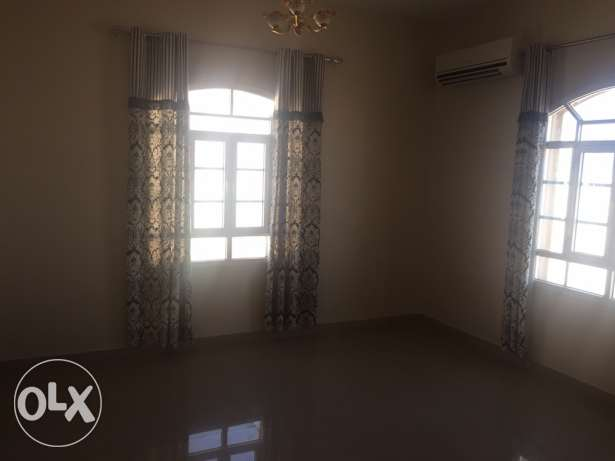 Wide Flat in South Ma'abila (first floor) 2 minutes to Indian School السيب -  5