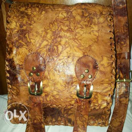 Natural leather bag hand made . بوشر -  2