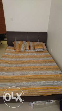 Queen size bed, same as new. مسقط -  2