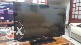 32inch LG Tv with stand Like new With BOX