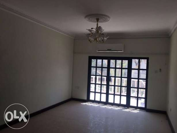 V5-Single Big 5 BHK + 1Maid Villa For Rent in Madinat Qaboos
