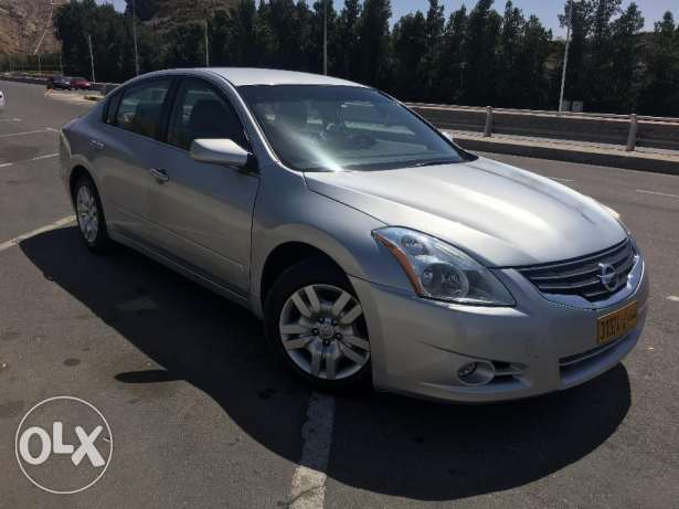 Good Condition Altima for sale