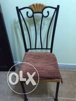 4 Dining chairs for sale in Mawaleh