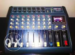 Powered Mixer with USB port