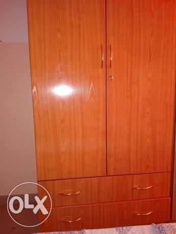 Almost new big Cupboard with 2 drawers روي -  1