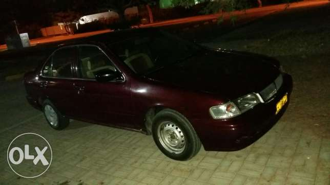 Nissan sunny for sell.. going cheap... only 650 مسقط -  7