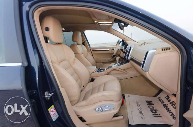 Porsche Cayenne Turbo, 2011 Model, Very good Condition. مسقط -  4