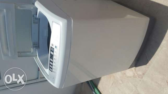 Automatic washing machine for sale (not negotiable) Location: Maabella