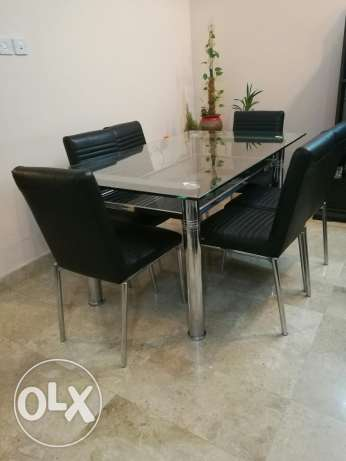 Dining table with 6 chairs. Negotiable. مسقط -  1