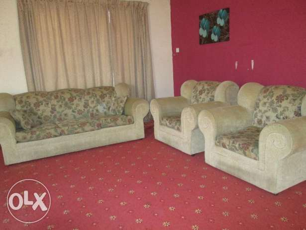 Expatriate leaving, furniture items for immediate sale. مسقط -  1