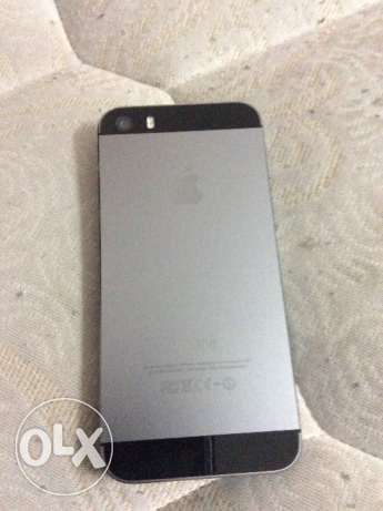 iPhone 5s and Xperia z 2 for sale مسقط -  2