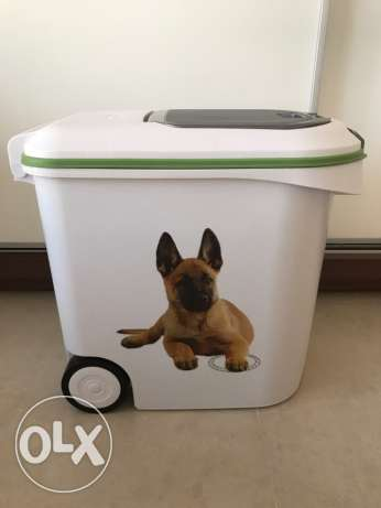 Curver Dog Food Container. Great for keeping Dog Food fresh.