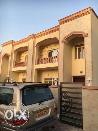 New villa for rent in alansab for 700 unfurnish near alnoor market مسقط -  1