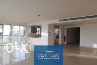 A lovely & spacious 3 bedroom apartment on the 1st floor with a view