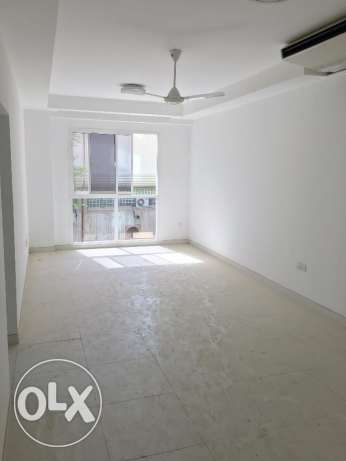 new flat for rent in ghala for 350 riel مسقط -  1