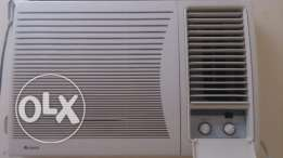 Gree window ac.. Only 4 month old.. In warranty. Argent wanna sell.