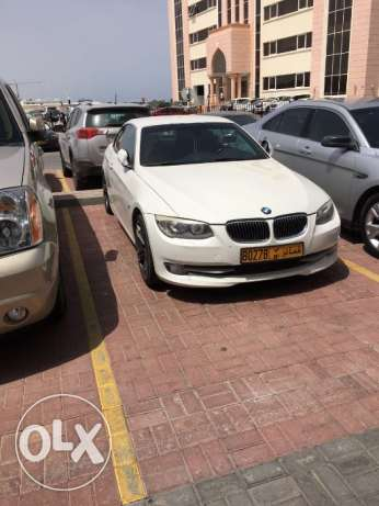 BMW Excellent Offer! 2011 BMW 335i convertible 75,000KM full insurance مسقط -  1