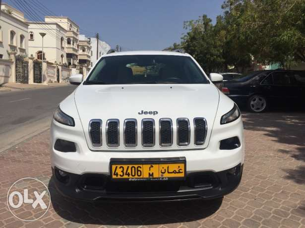 Jeep Cherokee 2016!!Great condition!! Lady driving!!