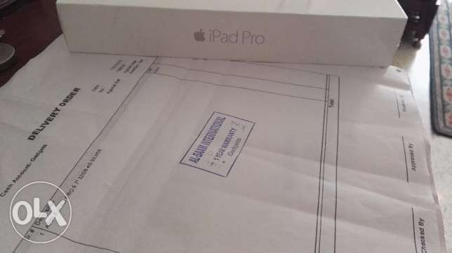 "Brand New Apple iPad Pro 9.7"" 32GB/ 4G WiFi + Cellular (Silver) بركاء -  1"