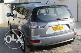 Expat Indian Leaving Oman Selling Mitsubishi Outlander car 2013