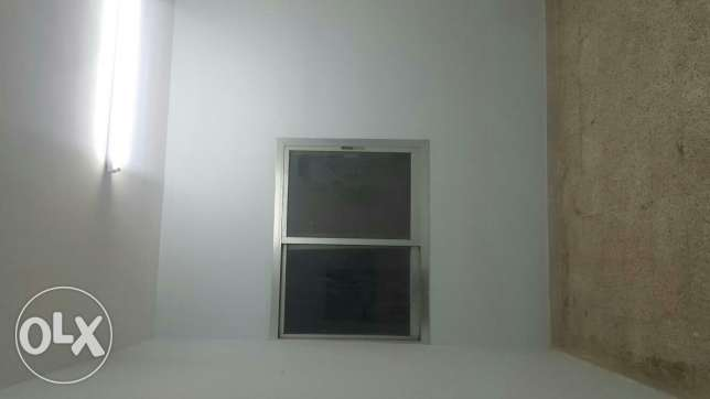 100 rial room for rent with water and electricity ruwi okcenter مسقط -  5