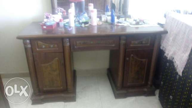 Cupboard set with 4 side tables مسقط -  3