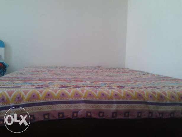 Bed + Matress + Quilt + bedroom Curtains+ 2 Pillow covers مسقط -  1