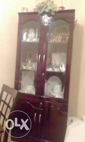 Crockery cabinet and dining table with 6 chairs