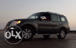 Mitsubishi Pajero 3.5 / Grey / Option 2.
