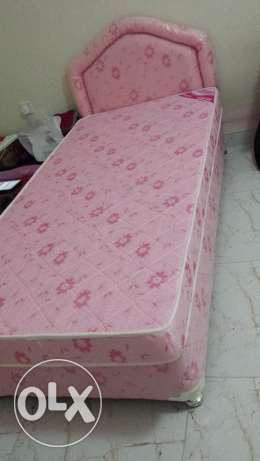 single strong excellent bed with mattress only 35 (5month old) مسقط -  2