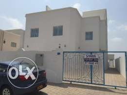 new villa for rent in almawaleh four