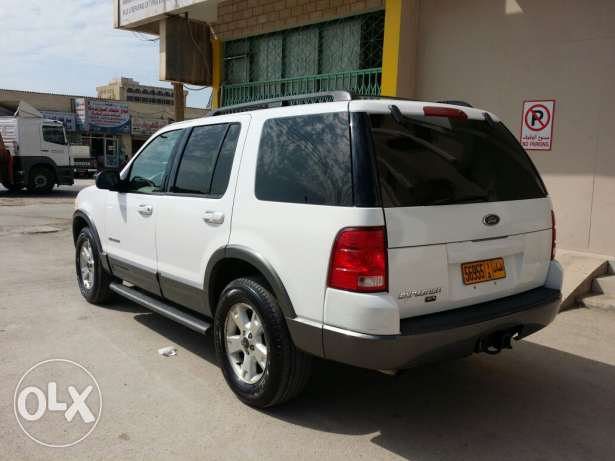 Ford explorer 2004 full option with sunroof for sale صلالة -  3