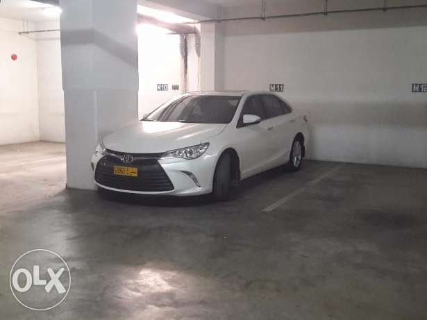 Agency maintained 18 month old Toyota Camry 25000 km مسقط -  1