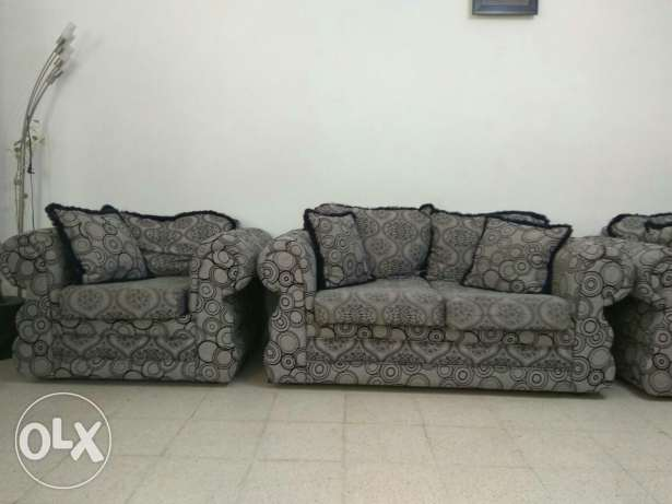 Sofa set 3+2+1 (Muttrah) مسقط -  2
