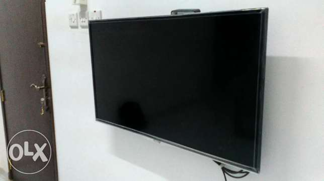 "40"" LED Smart Full HD TV TCL in Excellent Condition"