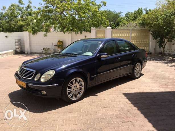 Mercedes E320 in perfect condition for sale
