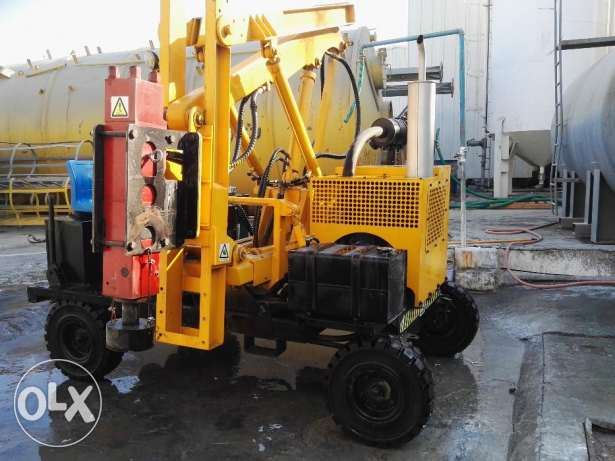 Guard Rail Pile Driver Machine مسقط -  1
