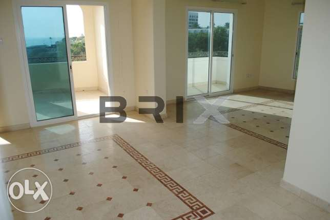 Qurum - 3 Bedroom Single Story Villa with Great Views مسقط -  1