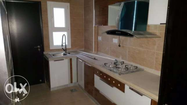 e1 brand new flat for rent in al ozaiba 2 bedroom in verry good بوشر -  6