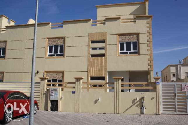 for rent villa in alkhod alkawthar street